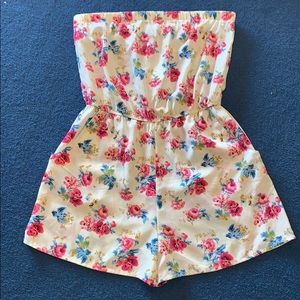 Other - Flowered romper